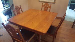 50+ yr dining room set
