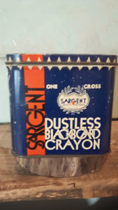 Vintages Sargent DUST less Crayon Tin