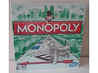 MONOPOLY BOARD GAME NEW SEALED FAMILY GAME