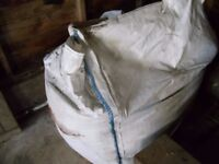 Part dumpy bag of concreting sand for FREE.