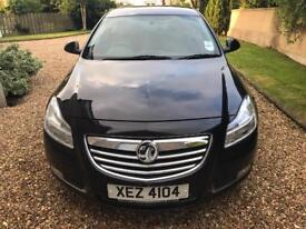 Black Vauxhall insignia 1.8 petrol