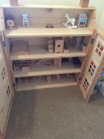 Children's dolls house FREE