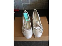 Stunning flower girl shoes from monsoon size 11