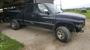 1997 Dodge Ram 1500 4x4( SOLD PENDING P/UP)