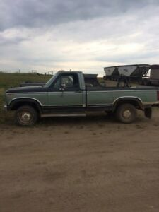 PACKAGE DEAL 82 f150 and parts truck