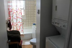 Looking for room mate NDG, close to Loyola Campus +Vendome metro