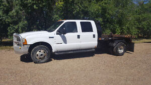 1999 Ford F-350 with Bale Deck