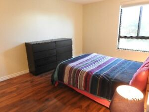 FULLY FURNISHED -DOWNTOWN MONTREAL-CENTRE VILLE -MEUBLË
