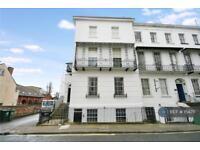 2 bedroom flat in Buckingham House, Cheltenham, GL50 (2 bed)