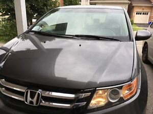 Selling Honda Odyssey 2014 Ex ( Rebuild title ) 8 seater !!