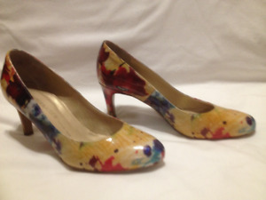 Peter Kaiser Leather Abstract Print Pumps Size 6 1/2 M