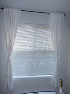 Bedroom Curtains and curtain rod