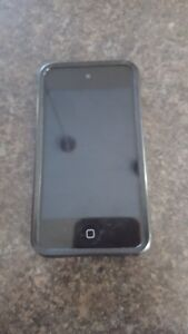 IPOD 4 TOUCH FOR SALE 8G