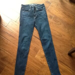 American Eagle jeans/jeggings