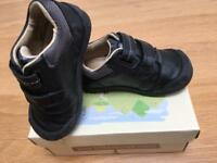 Start Rite Baby Boy Shoes 4.5F Excellent condition