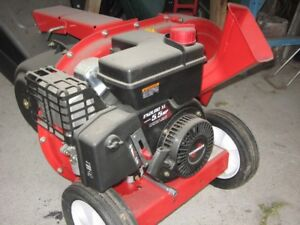 YARD MACHINES 190CC CHIPPER/SHREDER