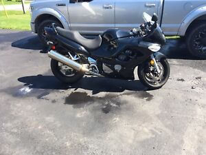Must sell low mileage 2006 gsx 600