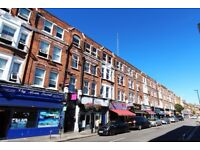 Double Bed in Spacious rooms to rent in 4-bedroom flatshare with balcony in Acton