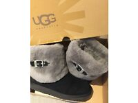 WOMNEN'S UGG BOOTS- SIZE UK5 EXCELLENT CONDITION!!