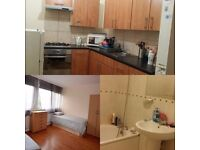Nice double room at Turnpike Lane. Tube only 1 minute walk, cebtral location £150/week incl bills
