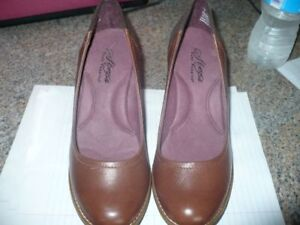 2 paires souliers Hush Puppies STEPS
