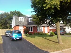 Vincent st 3 Bedroom Duplex in White Oaks, Mint Condition!