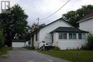 For Sale: 2 Bed / 2 Bath Home w/ Premium Lot @ Aylesworth Ave