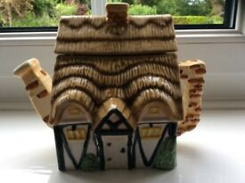 Leonardo Collection Tea Pot Cottage