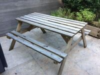 Garden wood TABLE for FREE