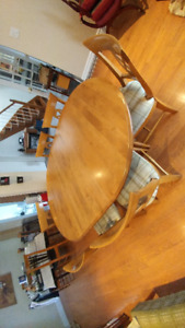**AWESOME MAPLE DINING TABLE AND CHAIRS**