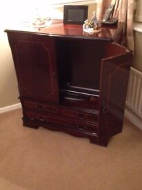 """Solid Mahogany TV Cabinet - for 32"""" Television"""