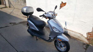 Piaggio Fly 150 with Topcase!!