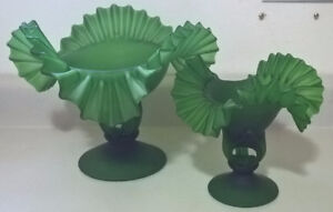 Vintage Fenton Blown Art Glass Emerald Green Snow Crest Twist
