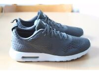 Nike Air Max Tavas Anthracite/Pure Platinum Ortholite Men's Shoes size 9.5 / 44.5