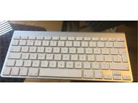 Apple Bluetooth Keyboard