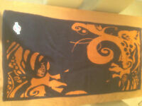 Large Quiksilver Beach Towel (never used) JUST REDUCED