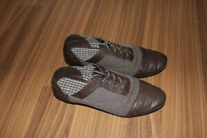 Soulier NEUF, pointure 7