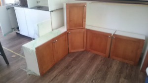 Kitchen cabinets brand new condition  deal if picked up now!