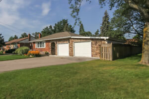 Perfect Bungalow with In-Law Suit in Niagara Falls
