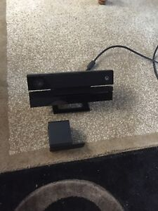 Selling Xbox One Kinect with tv stand