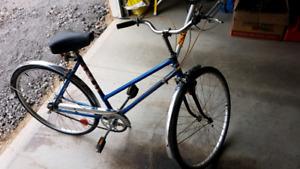 """Vintage """"SUPERCYCLE"""" Ladies Bike"""