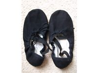 ballet dance slippers ( canvas shoes ) size 36 used good condition.