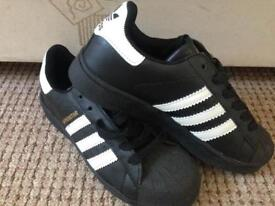 Woman's trainers size 4 new