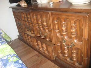 mobilier de chambre en bois