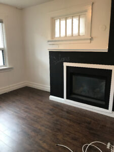 CHARMING 2 BED WITH PARKING AND INTERNET- FURNISHED SUBLET