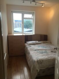 LARGE SINGLE ROOM IN BATTERSEA ,ALL BILLS INCLUDED