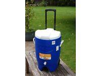 IGLOO 6 GALLON (22.7ltr) BERVERAGE DRINKS ROLLER COOLER COOLBOX KIDS PARTIES BBQ GARDEN COOL BOX