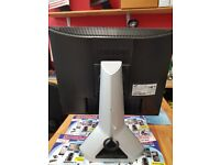 Samsung monitor white 19 inch good working condition
