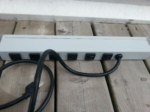 "Power Strip Powerbar 19"" multiprise pour rack 19"""