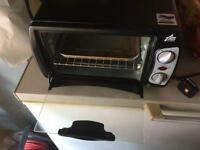 Mini oven ideal for students rooms?